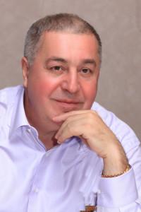Михаил Сафарбекович